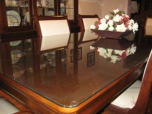 rounded-table-corner-glass